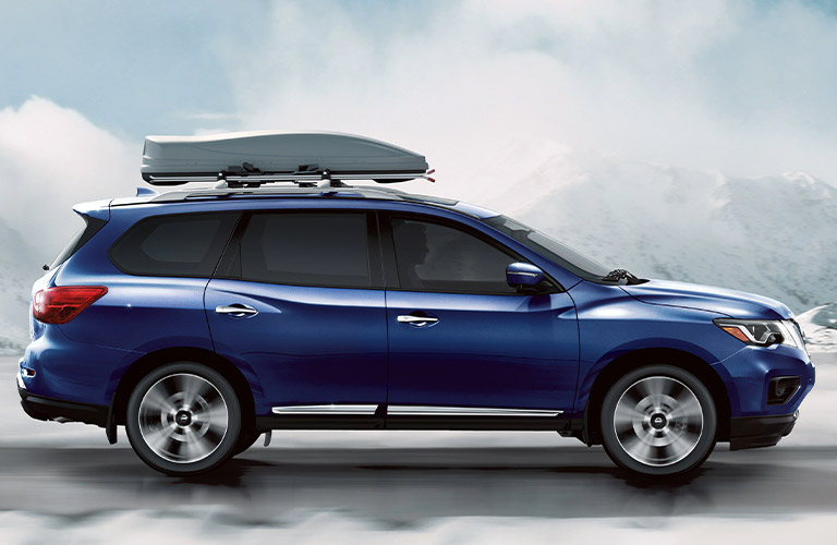 2020 Nissan Pathfinder in blue with bike rack