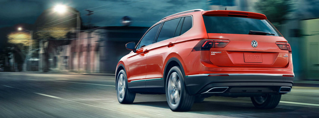 Rear/side profile of red 2018 Volkswagen Tiguan