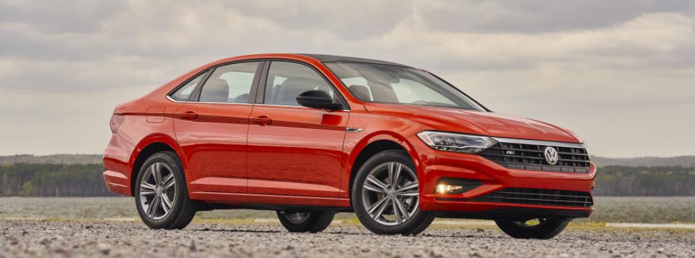 A right profile photo of the 2020 Volkswagen Jetta.