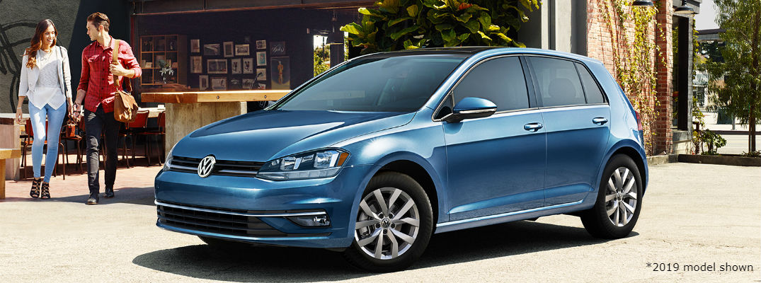 A photo of the 2019 Volkswagen Jetta parked on the street.