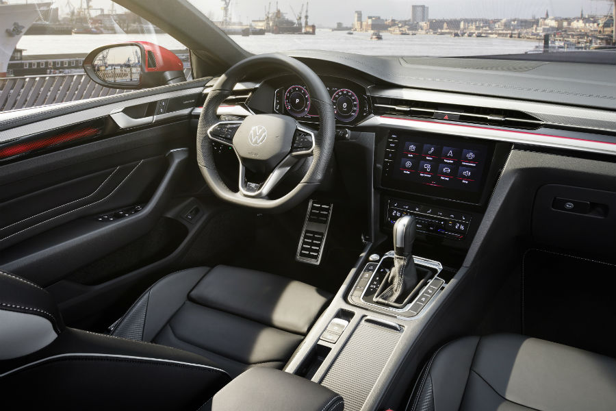 A photo of the new driver's cockpit in the 2021 Volkswagen Arteon.