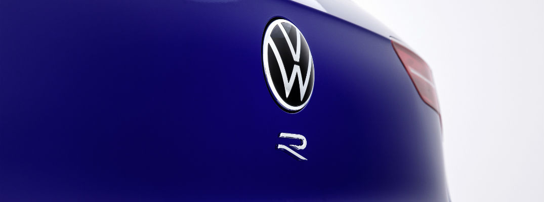 A photo of the R badge used on the back of the 2022 Volkswagen Golf R.