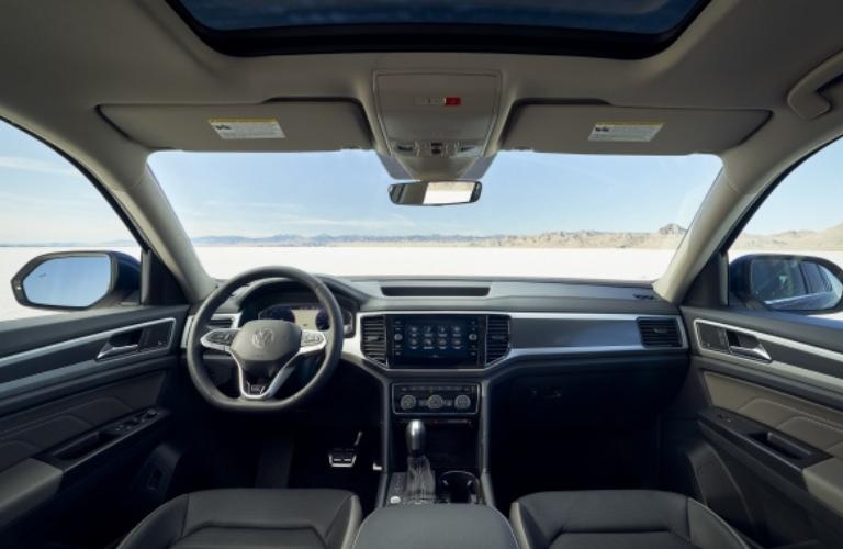 Steering wheel and internal features of the 2021 Volkswagen Atlas
