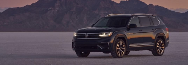 2021 Volkswagen Atlas in front of mountains