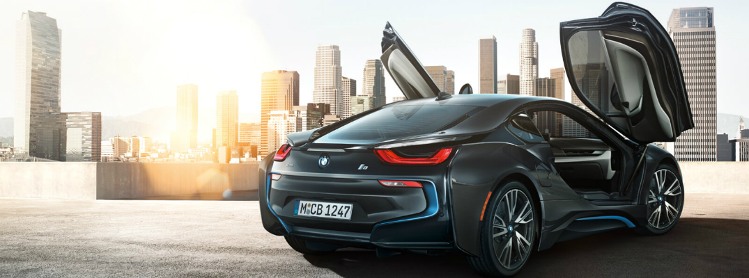 Efficiency and Performance of the 2017 BMW i8 Scissor Doors