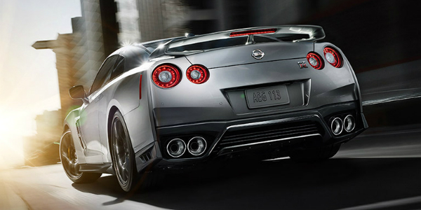 Features and Design of the 2017 Nissan GT-R Silver