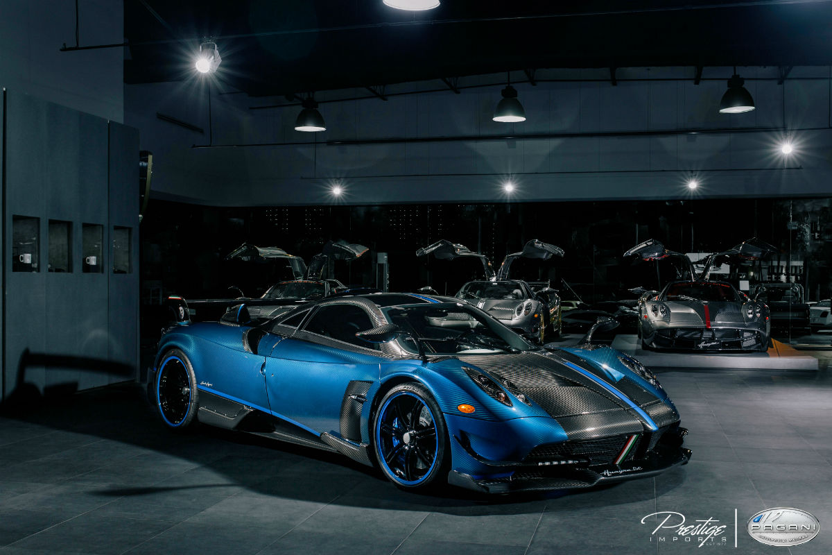 unique limited edition pagani huayra bc unveiling in miami beach. Black Bedroom Furniture Sets. Home Design Ideas