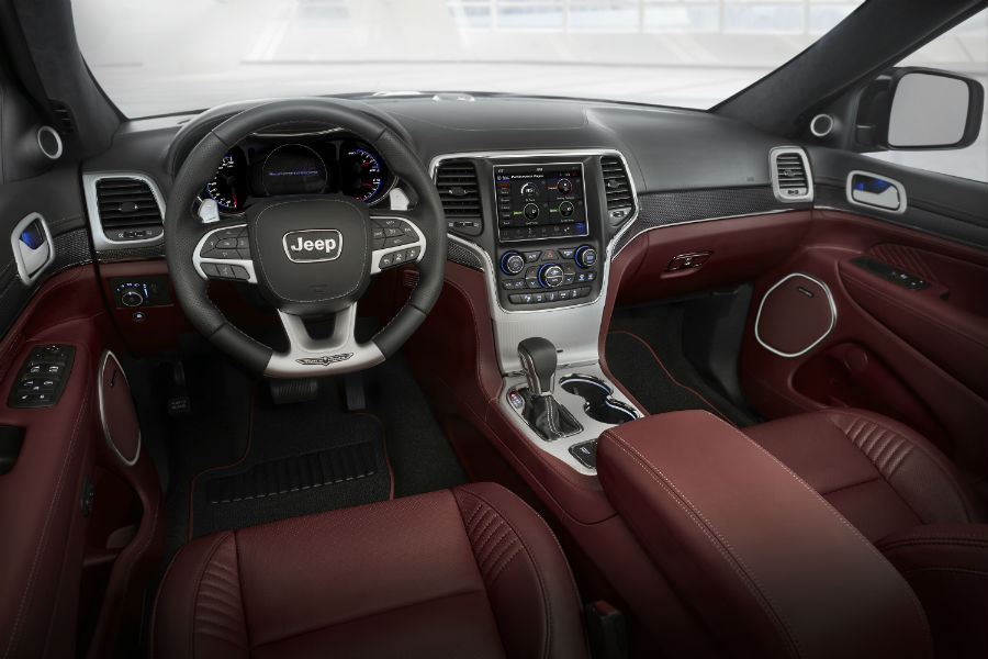 2018 Jeep Grand Cherokee Trackhawk Interior_o