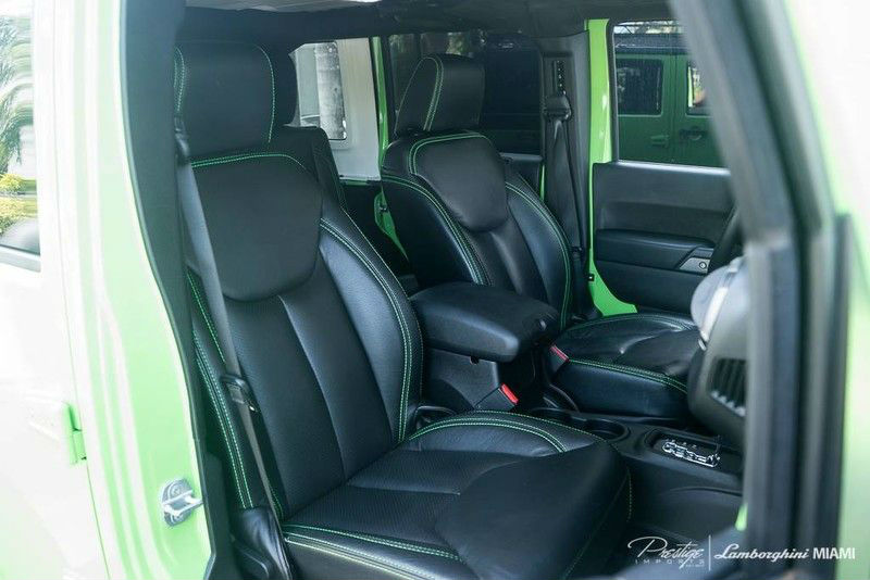 2014 Jeep Wrangler Unlimited SEMA Interior Front Seat_d