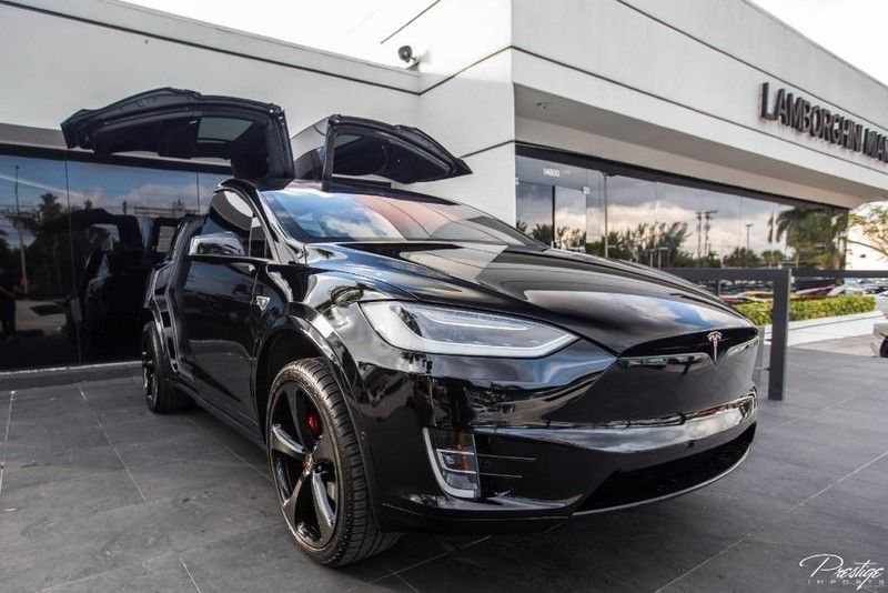 2016-Tesla-Model-X-P90D-Founders-Edition-Exterior-Passenger-Side-Front_o