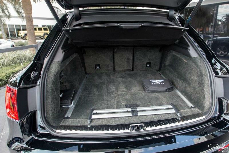 2017 Bentley Bentayga Interior Cargo Hold