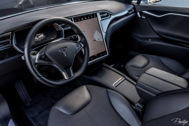 2016 Tesla Model S Interior Cabin Dashboard & Display