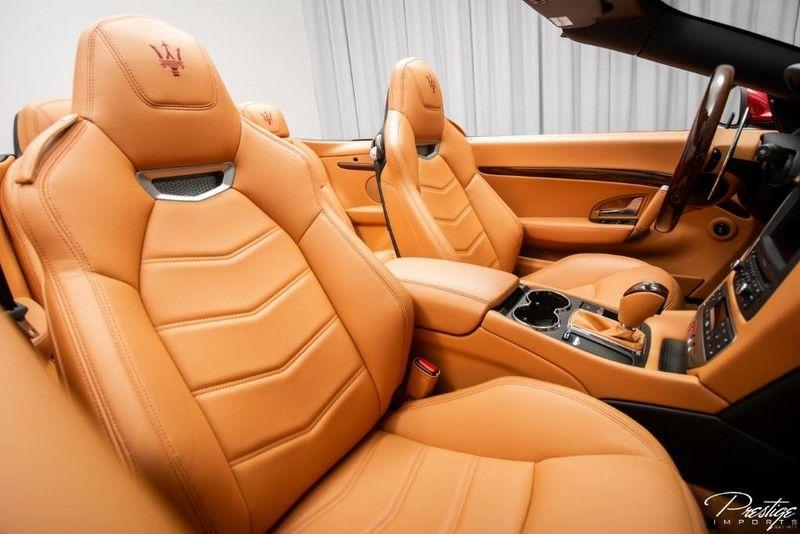 2017 Maserati GranTurismo Convertible Sport Interior Cabin Front Seat