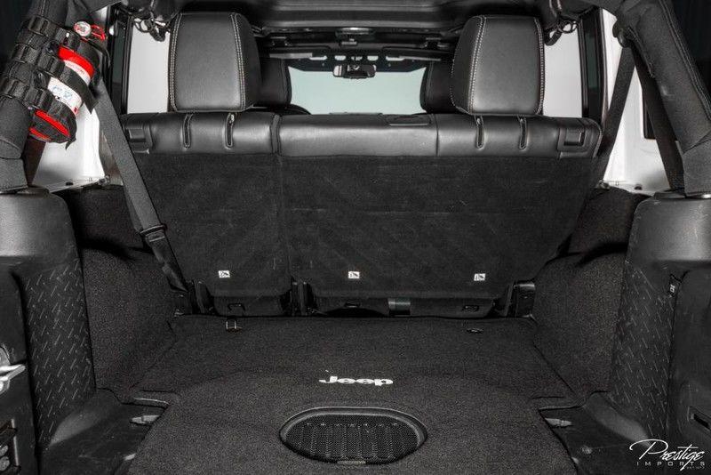 2016 Jeep Wrangler Unlimited Rubicon Interior Cabin Rear Cargo Area