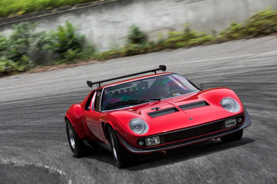 Check Out This Completely Restored Lamborghini Miura Svr