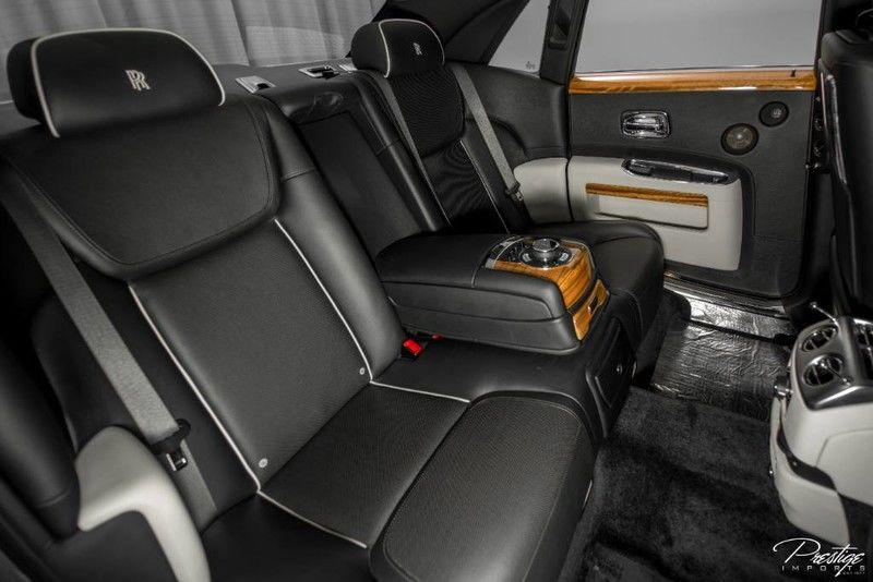 2015 Rolls-Royce Ghost Interior Cabin Rear Seating