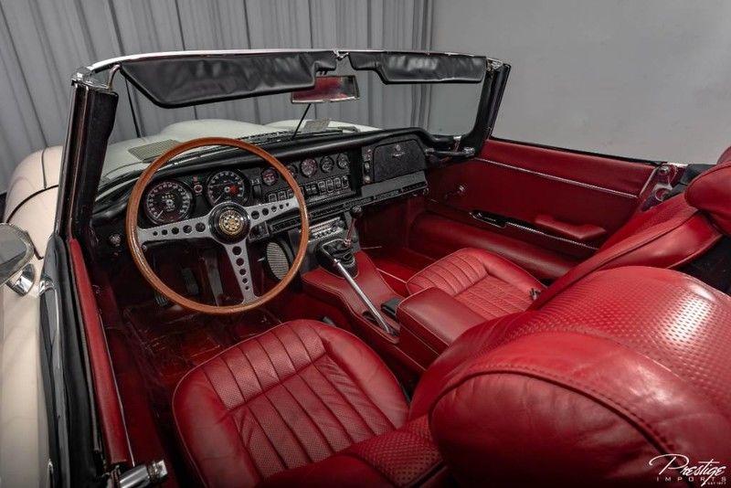1970 Jaguar E-Type Interior Cabin Dashboard