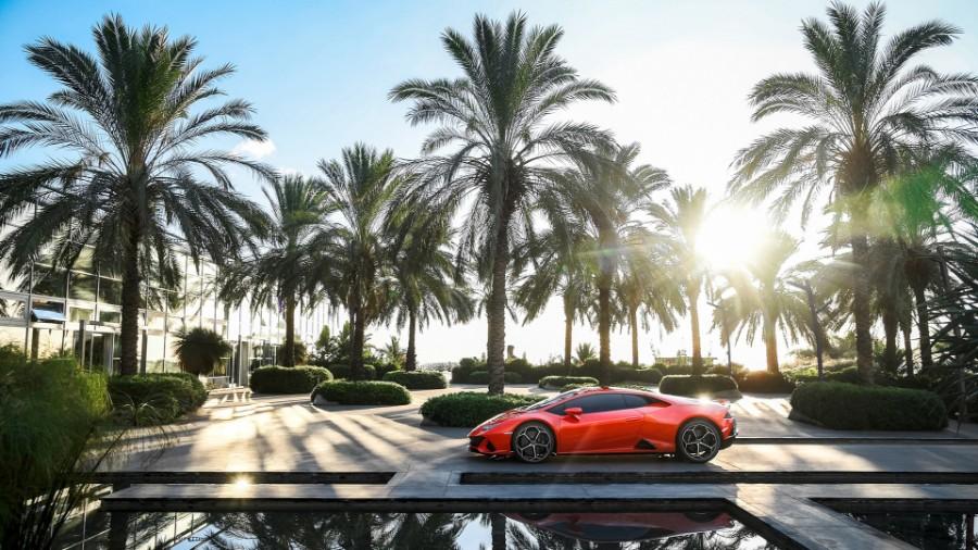 2020-Lamborghini-Huracan-EVO-Exterior-Driver-Side-Profile