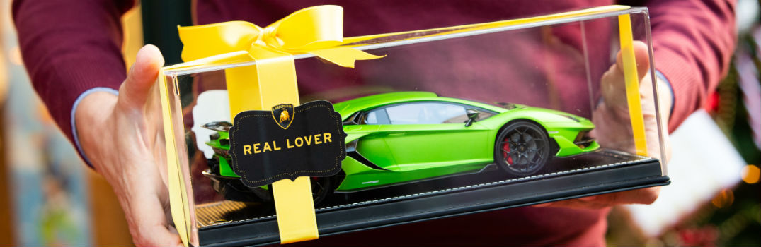 Lamborghini is for Real Lovers Christmas Holiday Video