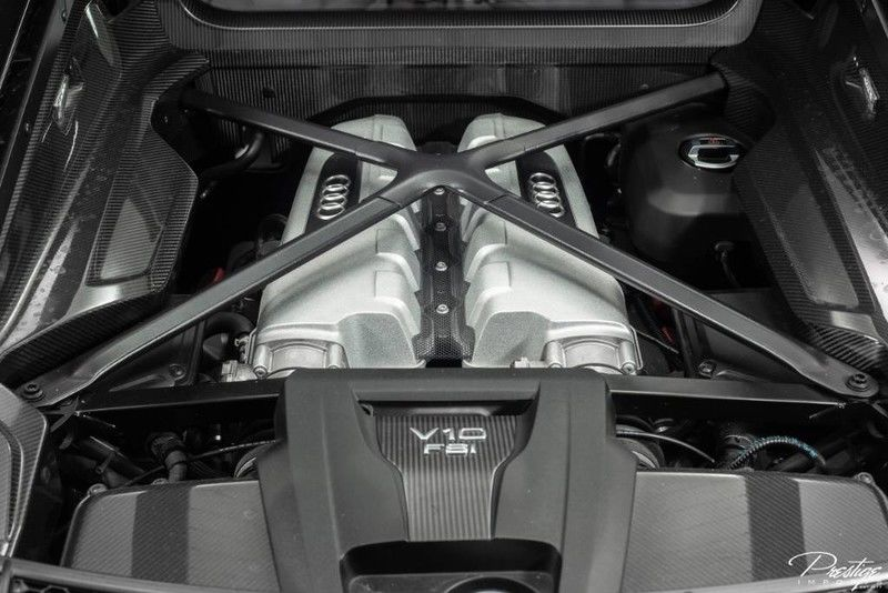 2017 Audi R8 Coupe V10 Plus Interior Engine Bay