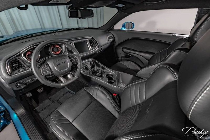 2015 Dodge Challenger SRT Hellcat Interior Cabin Front Seating Dashboard