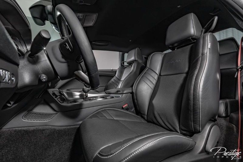 2015 Dodge Challenger-SRT Hellcat Interior Cabin Front Seating