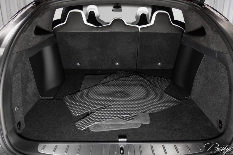 2017 Tesla Model X 75D Interior Cabin Cargo Area