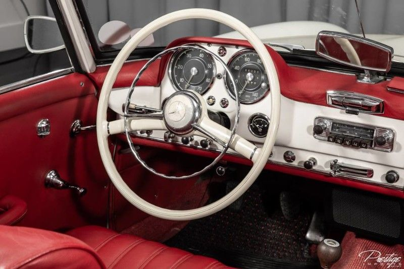 1961 Mercedes-Benz 190SL Interior Cabin Dashboard
