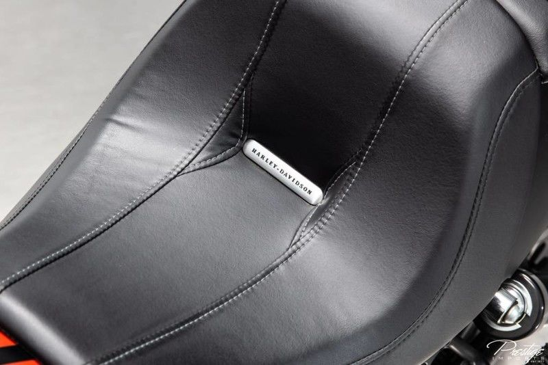 2015 Harley-Davidson Night Rod Special Seat