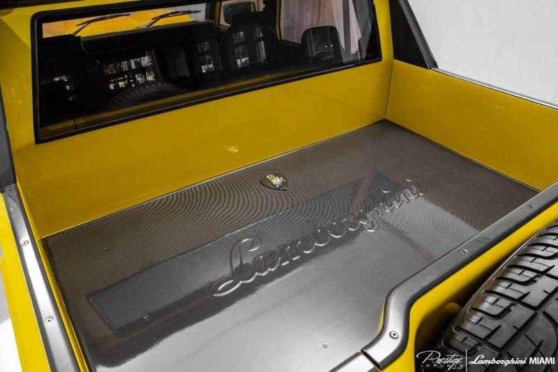 1992 Lamborghini LM002 Exterior Truck Bed