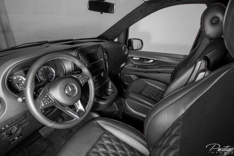 2018 Mercedes-Benz Metris Passenger Van Interior Cabin Cockpit