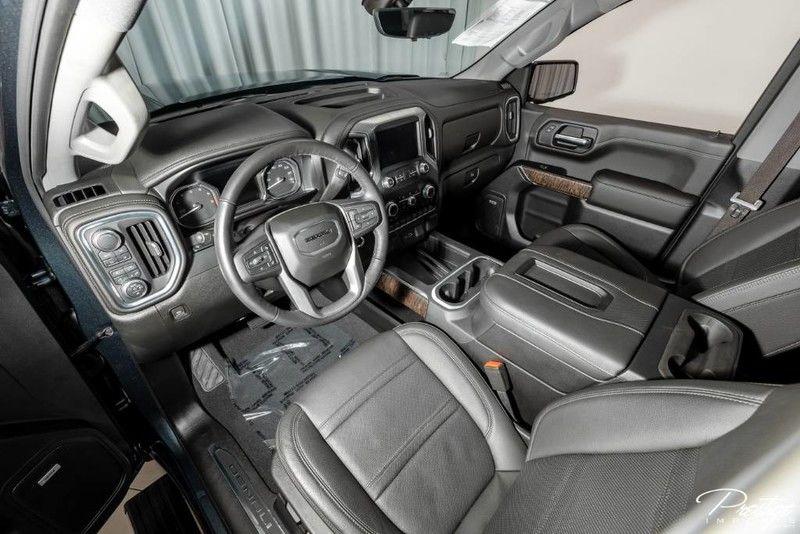 2019 GMC Sierra 1500 Denali Interior Cabin Dashboard & Front Seating