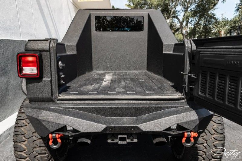 2019 Jeep Wrangler Unlimited Sahara Exterior Truck Bed