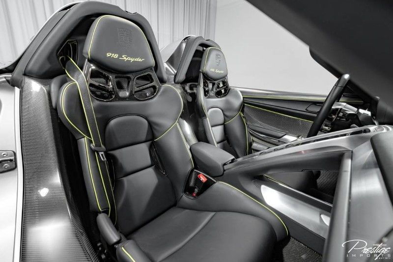 2015 Porsche 918 Spyder Interior Cabin Seating