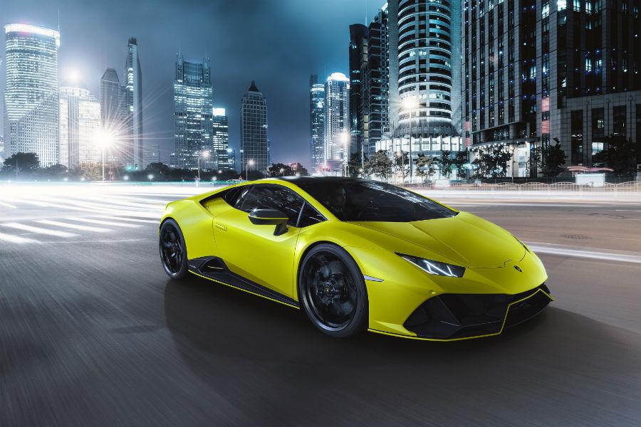 2021 Lamborghini Huracan EVO Fluo Capsule Giallo Clarus Exterior Passenger Side Front Profile