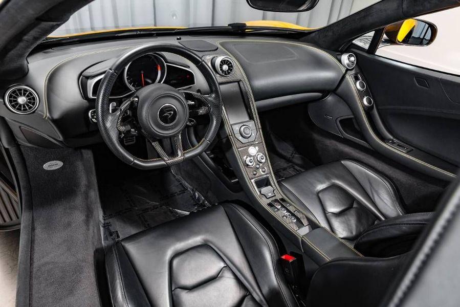 2016 McLaren 650 S Interior Cabin Dashboard