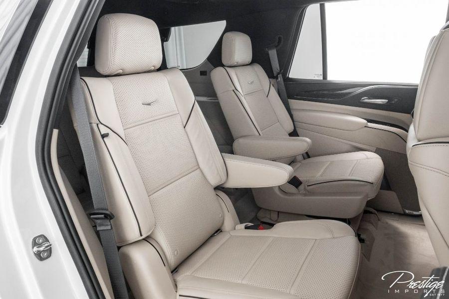 2021 Cadillac Escalade Premium Luxury Interior Cabin Middle Seating