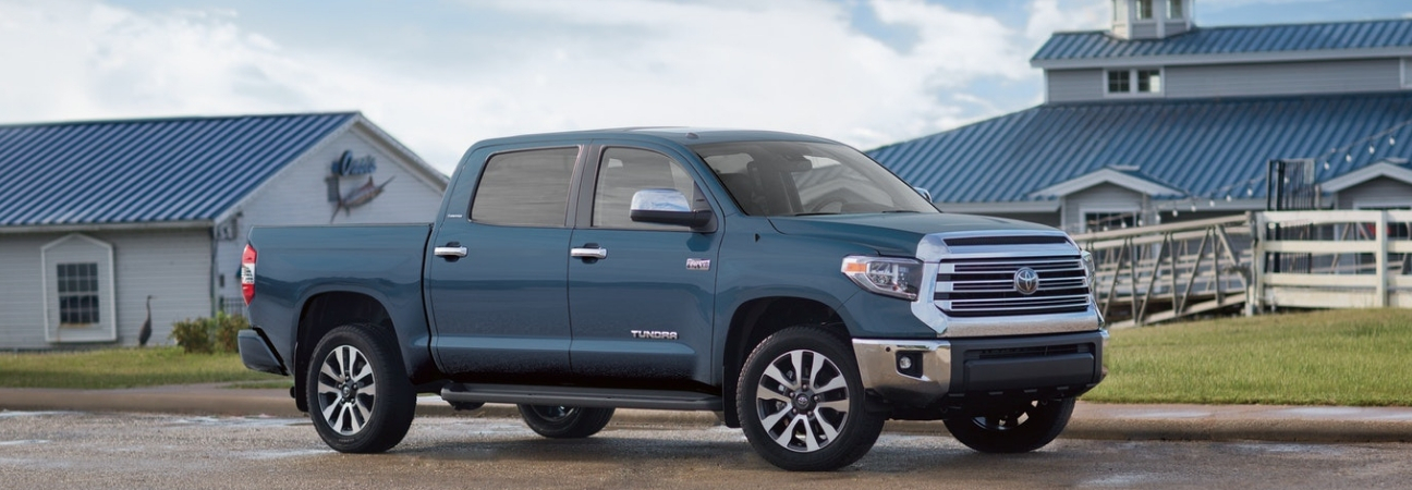 Fall Jobs You Can Tackle in Your 2019 Toyota Tundra