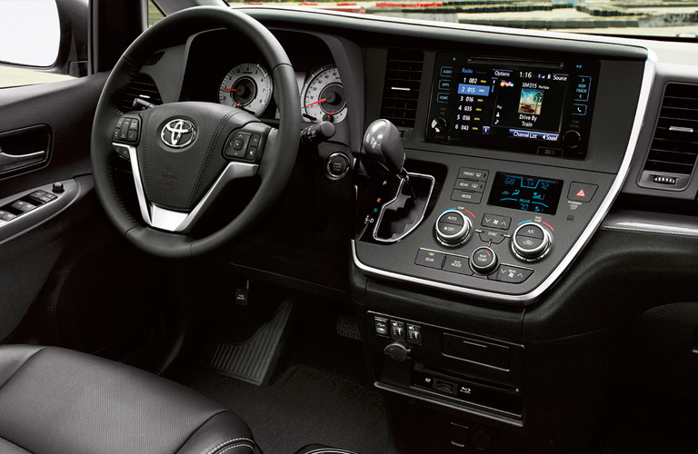 Standard Features In The 2016 Toyota Sienna Limited