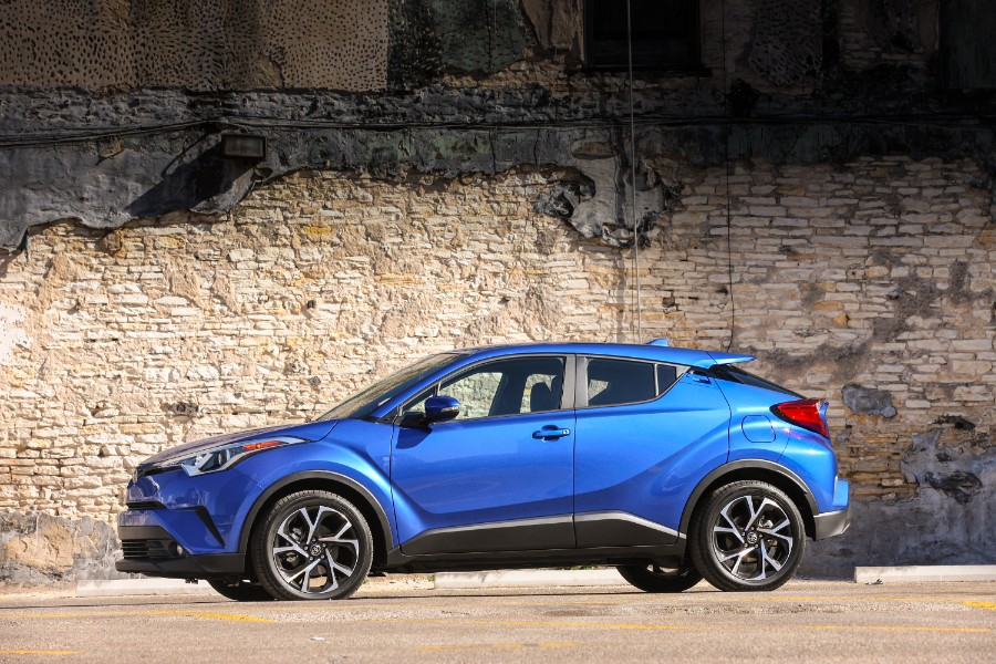 2019-Toyota-C-HR-Exterior-Driver-Side-Profile