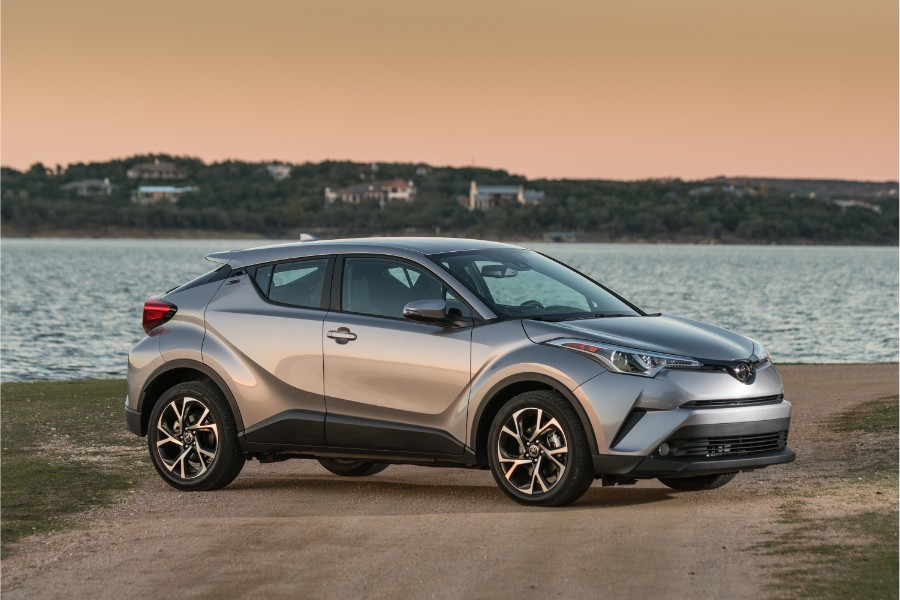 2019-Toyota-C-HR-Exterior-Passenger-Side-Front-Angle