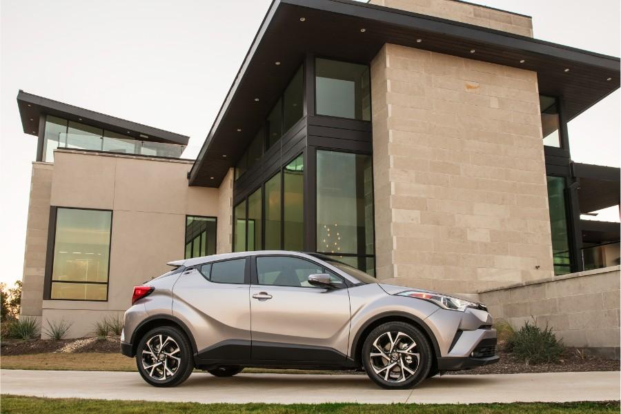 2019-Toyota-C-HR-Exterior-Passenger-Side-Profile