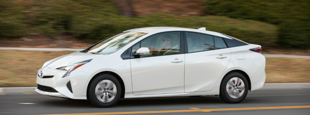 What Is The Best Hybrid Car For 2017