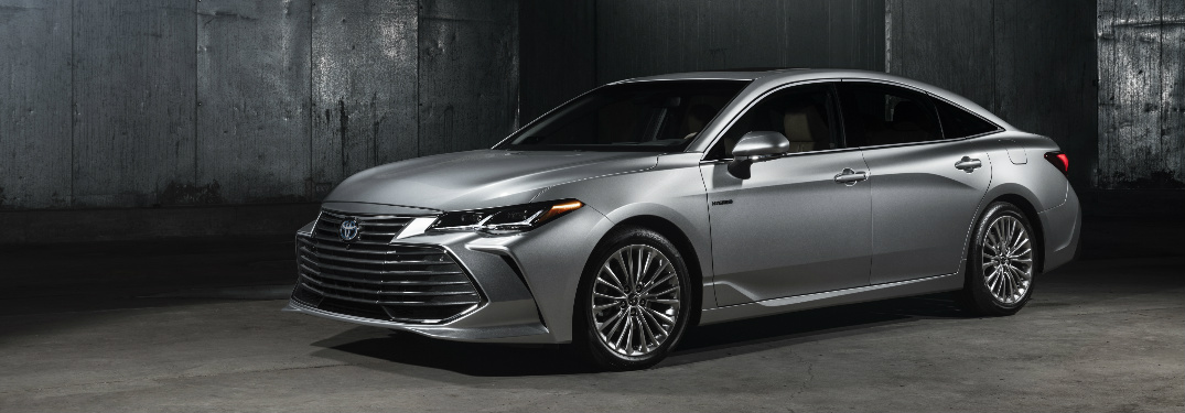 2019 Toyota Avalon in grey parked in a warehouse