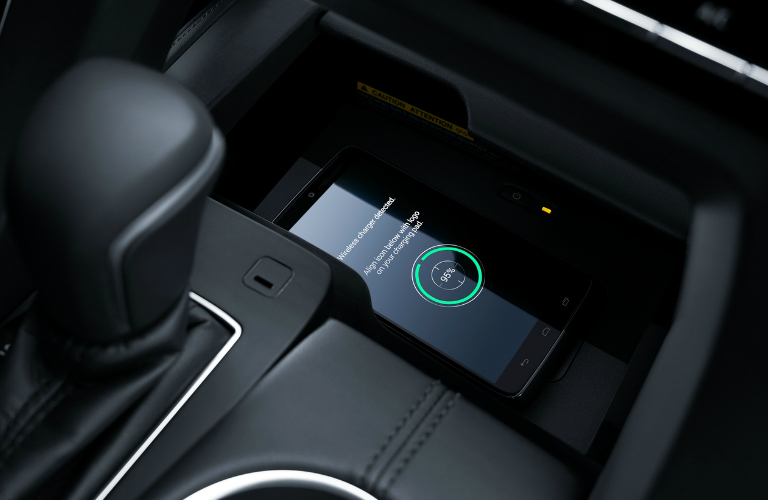 2019 Toyota Avalon Qi-compatible wireless charging pad