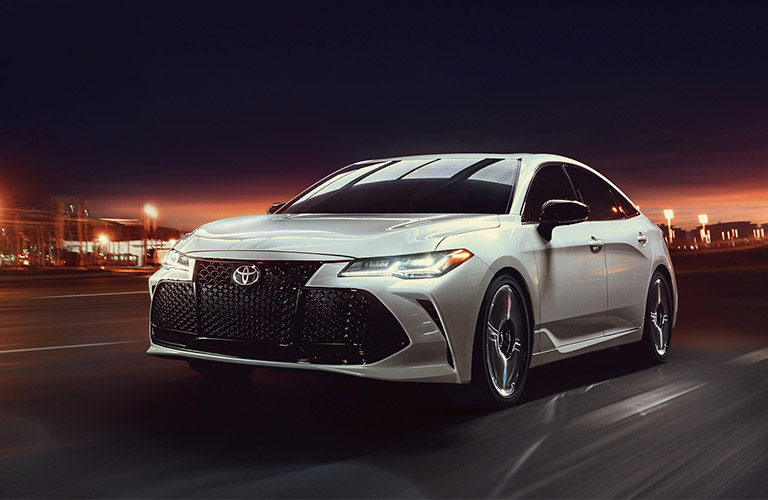 2019 Toyota Avalon driving at night