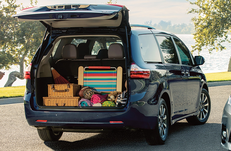 2020 Toyota Sienna with Back Hatch Open