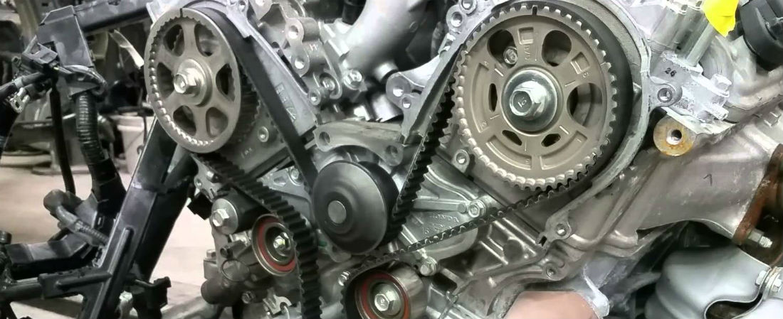 Acura timing belt on an engine