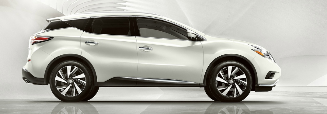 white 2018 Nissan Murano side view