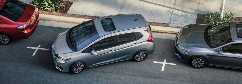 2019 Honda Fit maneuvers into street parking spot